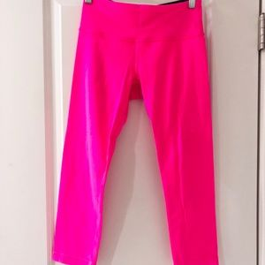Lululemon WONDER UNDERS HOT PINK SIZE 4